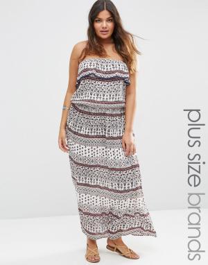 Diya Платье макси с вырезом в стиле бандо и платочным принтом Plus. Цвет: мульти