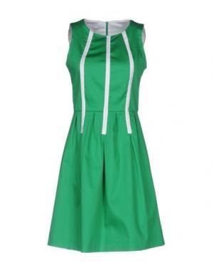 Короткое платье BIANCOGHIACCIO. Цвет: зеленый