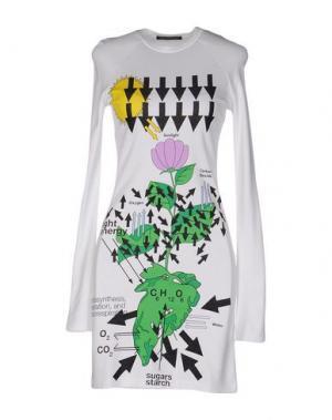 Короткое платье CHRISTOPHER KANE. Цвет: белый