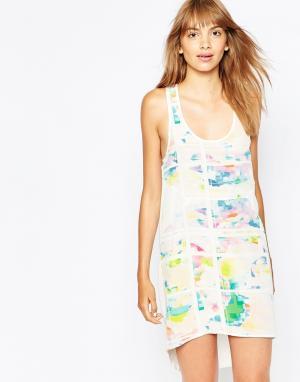 Suboo Шелковистое платье с цветочным принтом Pop. Цвет: принт