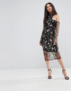 AX Paris Платье с Т-образной бретелью, цветочной вышивкой и сетчатыми рукавами. Цвет: черный