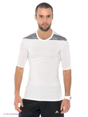 Футболка Techfit Base Adidas. Цвет: белый, серый