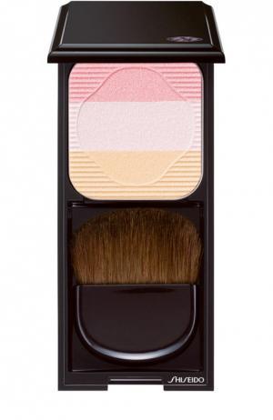 Румяна-трио с шелковистой текстурой и эффектом сияния PK1 Shiseido. Цвет: бесцветный