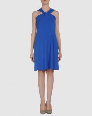 Короткое платье AINOS. Цвет: синий