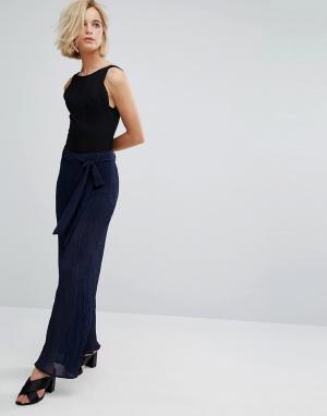 J.O.A Плиссированные брюки с завышенной талией. Цвет: темно-синий
