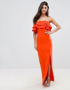 Club L Платье-бандо макси с оборками и асимметричным разрезом. Цвет: красный