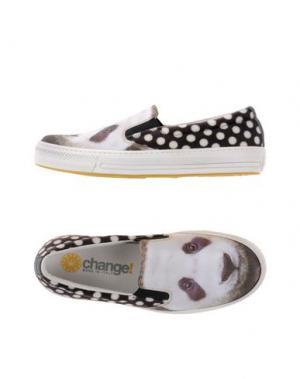 Низкие кеды и кроссовки CHANGE. Цвет: белый