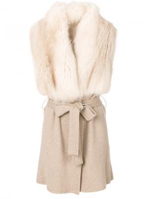 Пальто с поясом и отделкой из меха норки Liska. Цвет: телесный