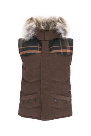Велюровый пуховой жилет с капюшоном и мехом койота 123008 Nobis. Цвет: коричневый