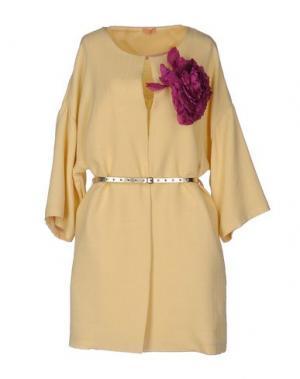 Легкое пальто MACRÍ. Цвет: желтый