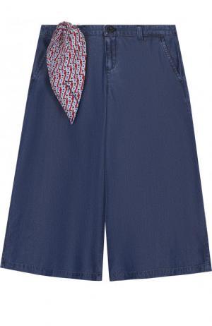 Расклешенные хлопковые джинсы с декоративным платком Armani Junior. Цвет: синий