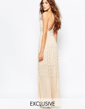 Frock and Frill Декорированное платье макси с глубоким вырезом и открытой спиной. Цвет: розовый