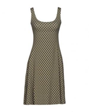 Короткое платье SIYU. Цвет: зеленый-милитари