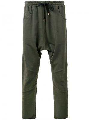 Спортивные брюки с заниженной шаговой линией Amen. Цвет: зелёный