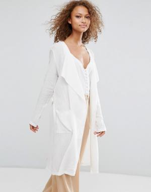 Oeuvre Длинный пиджак с поясом. Цвет: белый