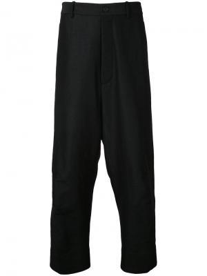 Свободные брюки Forme Dexpression D'expression. Цвет: чёрный