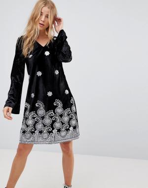 Glamorous Бархатное свободное платье с длинными рукавами и вышивкой металлик Gla. Цвет: черный