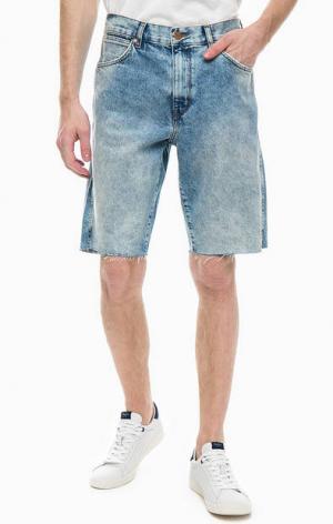 Джинсовые шорты с карманами Wrangler. Цвет: синий