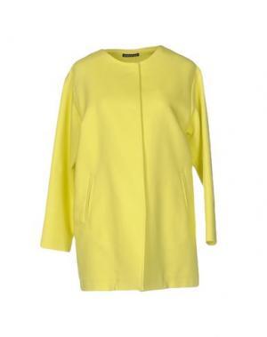 Легкое пальто LAURA URBINATI. Цвет: желтый
