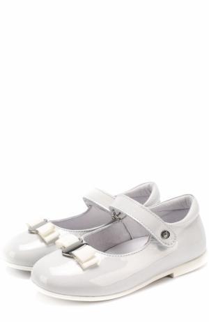 Лаковые туфли с застежкой велькро и бантом Naturino. Цвет: белый