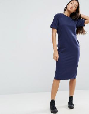 ASOS Легкое трикотажное платье-футболка миди. Цвет: темно-синий