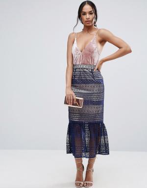 ASOS Кружевная юбка-карандаш с баской. Цвет: мульти
