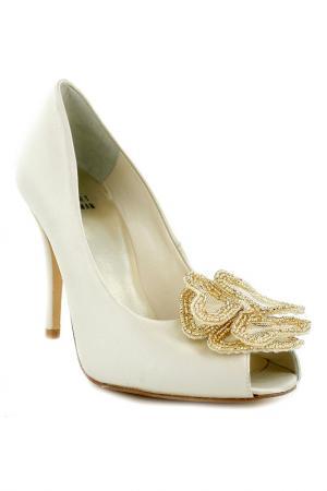 Туфли открытые Stuart Weitzman. Цвет: белый