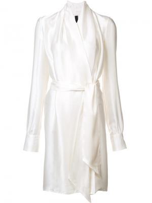 Шелковое платье с запахом Gareth Pugh. Цвет: белый