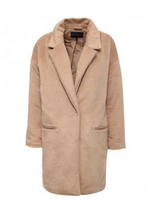 Пальто QED London. Цвет: бежевый