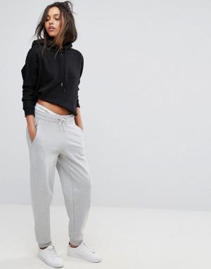 Calvin Klein Джоггеры с логотипом Jeans. Цвет: серый