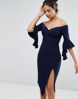 Ginger Fizz Платье миди с открытыми плечами и разрезом до бедра. Цвет: темно-синий