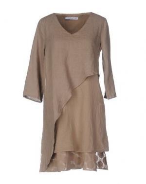 Короткое платье LA FABBRICA DEL LINO. Цвет: светло-коричневый