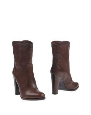 Полусапоги и высокие ботинки THE SELLER. Цвет: какао