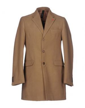Пальто X-CAPE. Цвет: верблюжий