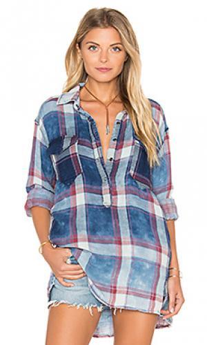 Рубашка на пуговицах с асимметричными подолом BLANKNYC. Цвет: синий
