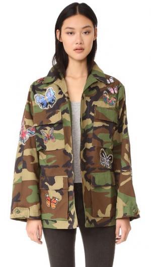 Камуфляжная куртка с аппликациями в виде бабочек JN by LLOVET. Цвет: камуфляж