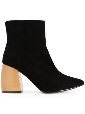 Сапоги по щиколотку на массивных каблуках G.V.G.V.. Цвет: чёрный