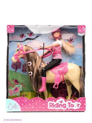 Штеффи верхом на лошади Simba. Цвет: розовый