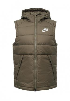 Жилет утепленный Nike. Цвет: хаки