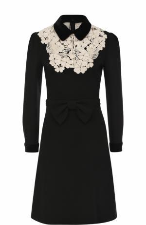 Приталенное платье-миди с контрастной кружевной вставкой Gucci. Цвет: черный