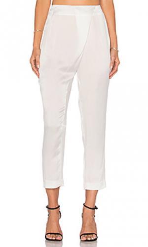 Шелковые брюки с драпировкой KENDALL + KYLIE. Цвет: белый