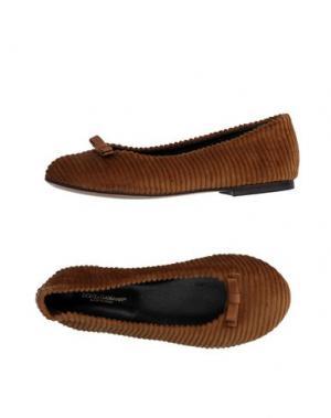 Балетки DOLCE & GABBANA. Цвет: коричневый