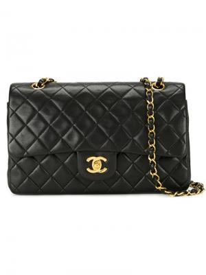 Сумка на плечо с откидным клапаном Chanel Vintage. Цвет: чёрный