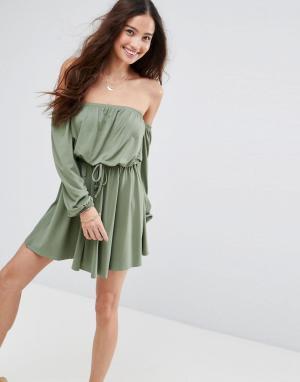 ASOS Короткое приталенное платье с широким вырезом и длинными рукавами. Цвет: зеленый