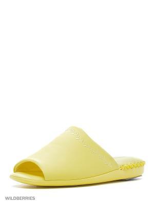Тапочки Pansy. Цвет: желтый