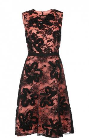 Приталенное кружевное платье без рукавов с круглым вырезом Oscar de la Renta. Цвет: розовый