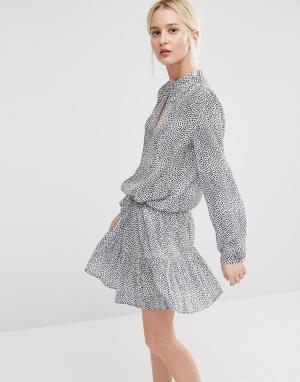 Gestuz Платье с принтом и юбкой-колокол. Цвет: синий