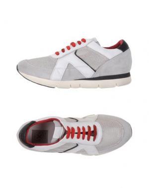 Низкие кеды и кроссовки O.X.S.. Цвет: белый