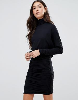 Ganni Облегающее платье с высоким воротником. Цвет: черный