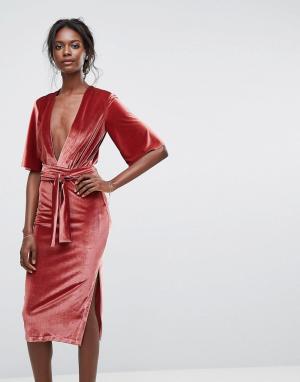 Bec & Bridge Платье с V-образным вырезом. Цвет: розовый